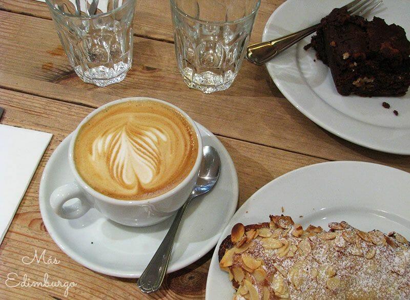 Tipos de café en Inglaterra Flat White