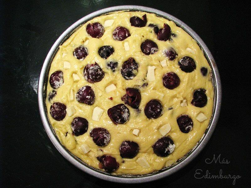 Receta de pastel de cerezas y chocolate blanco 4
