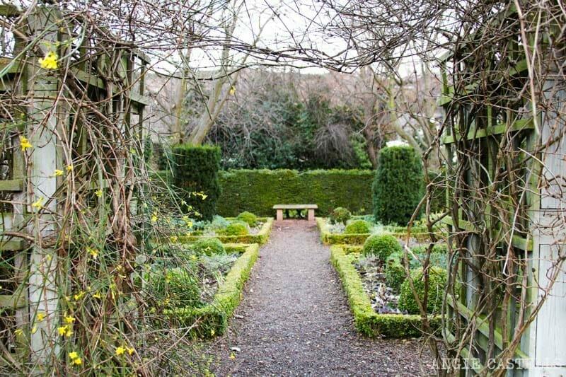 Los jardines de Dunbar's Close, en la Royal Mile de Edimburgo