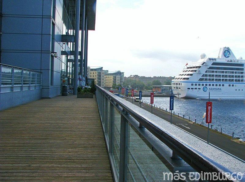 El mar en Edimburgo Ocean Terminal 5