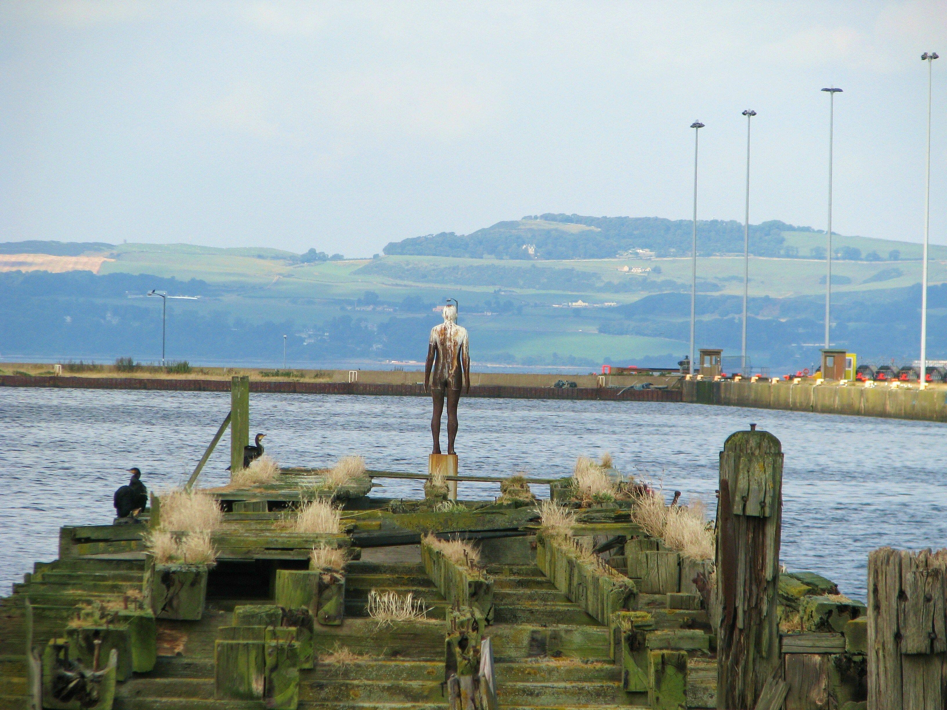 El desafío de Gormley: seis esculturas en Edimburgo