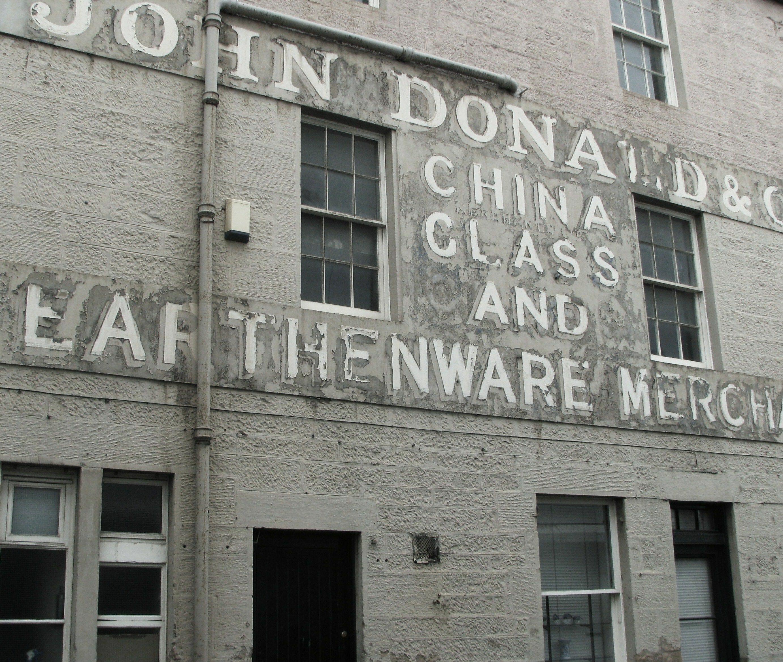 Letreros fantasma en la Old Town de Edimburgo