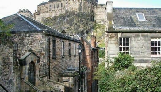 Las murallas de Edimburgo y la puerta del fin del mundo
