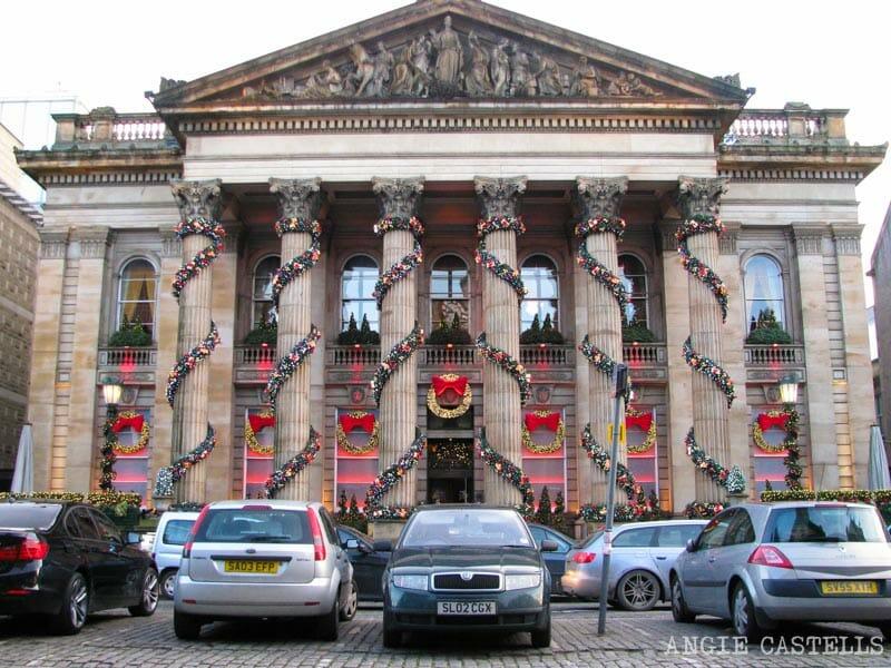 Guia-Navidades-en-Edimburgo-decoraciones-The-Dome-800