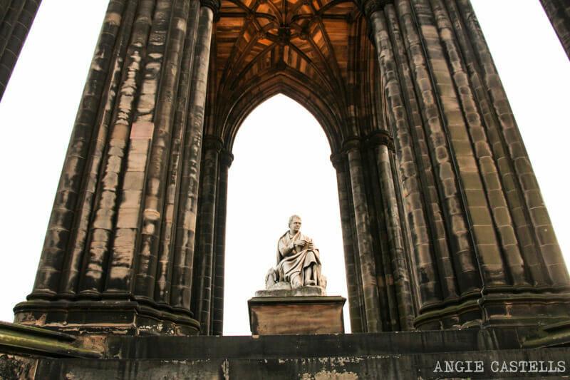 Subir al Scott Monument, uno de los mejores miradores de Edimburgo