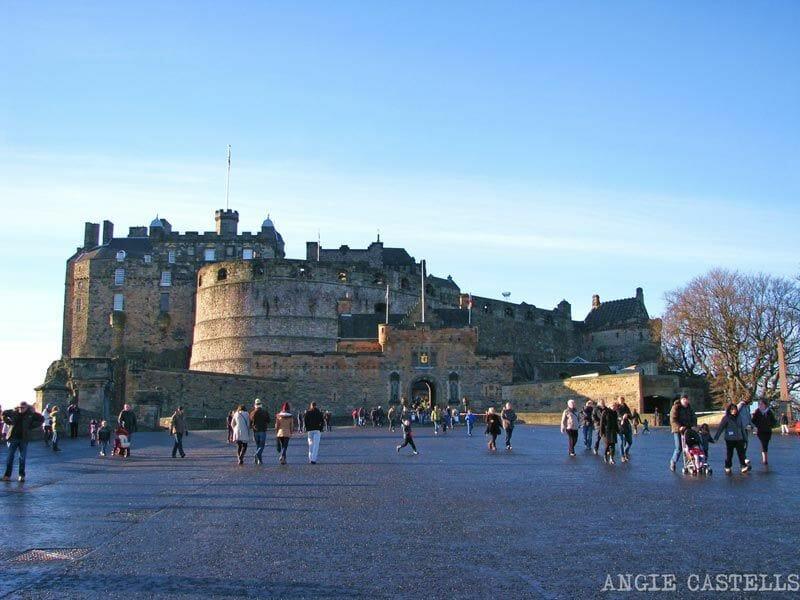 Aunque no entres al Castillo, puedes llegar hasta la explanada