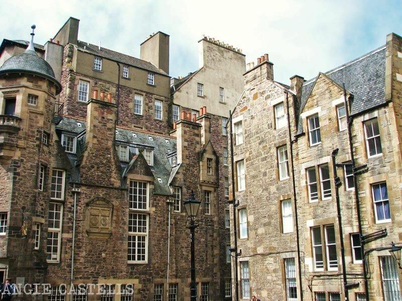 Explorar la Old Town es acercarse a la esencia de Edimburgo