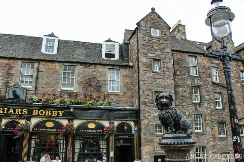 Ruta Old Town Edimburgo Que ver Estatua Bobby perro
