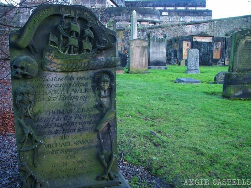 La-New-Town-de-Edimburgo-Cementerio-Calton-Hill