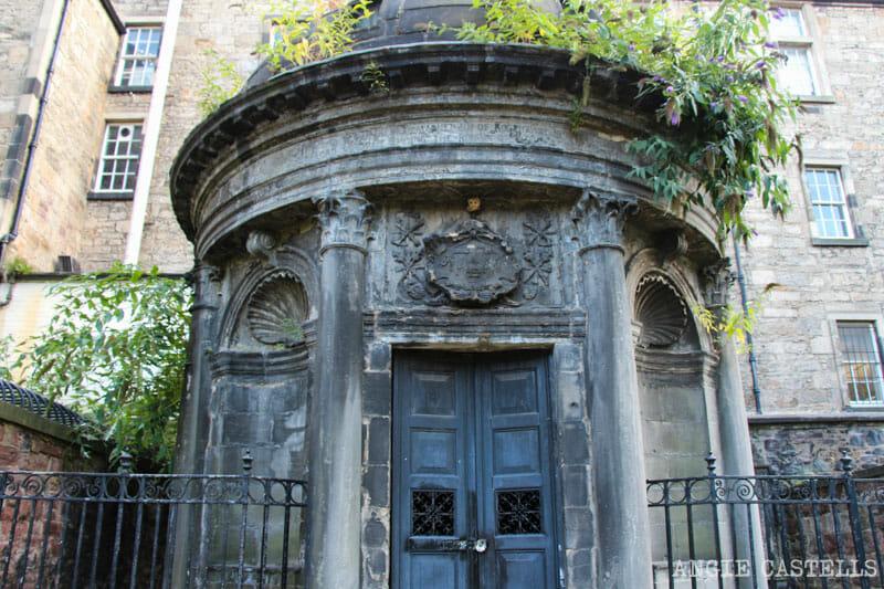 Leyendas de Edimburgo - Mackenzie, el poltergeist del cementerio de Greyfriars
