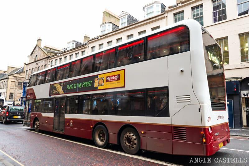 Cómo moverte por Edimburgo en bus - Precios, rutas y consejos