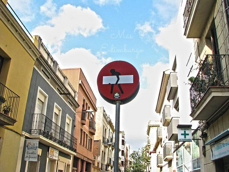 Prohibido prohibir: las señales cobran vida en Barcelona