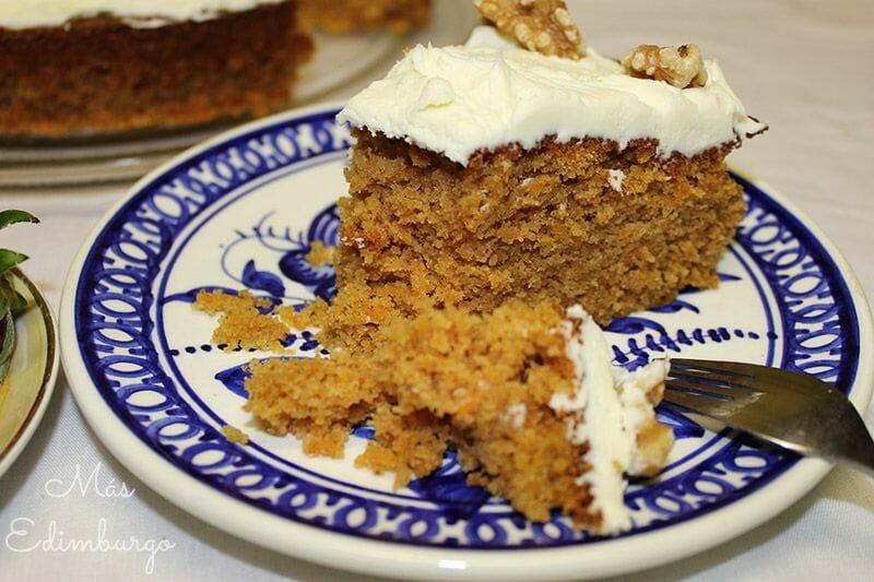 Receta de carrot cake (tarta de zanahoria) de Más Edimburgo