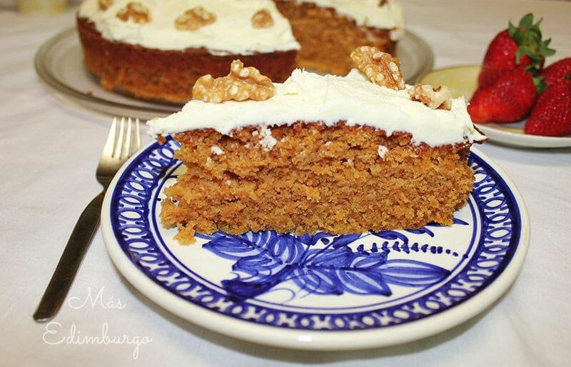 Receta de carrot cake con cobertura de queso