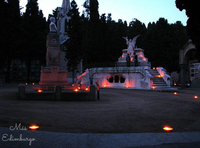 Una visita nocturna al cementiri de Montjuïc, en Barcelona