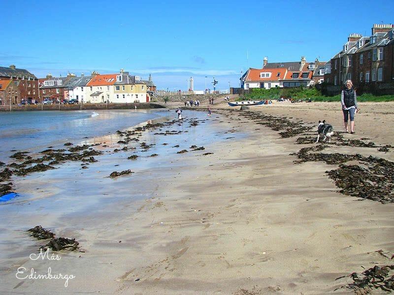 Un día en North Berwick, en la costa de Escocia