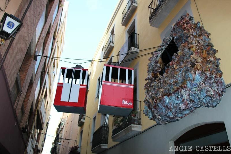 Festes-de-Gracia-Barcelona-balcons-engalanats