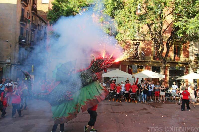 Visitar-les-festes-de-Gracia-Barcelona-correfoc