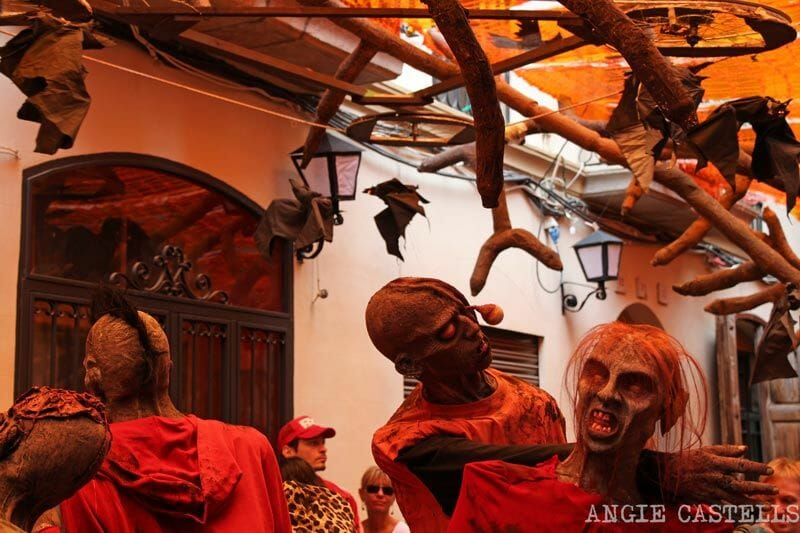 Festes-de-Gracia-Barcelona-zombies