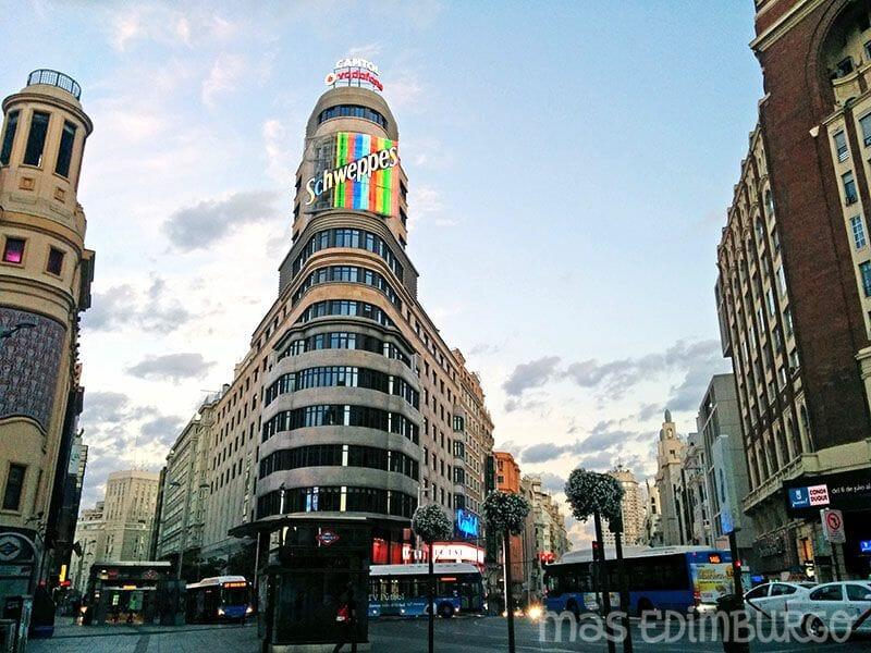 Un día en Madrid, Gran Vía