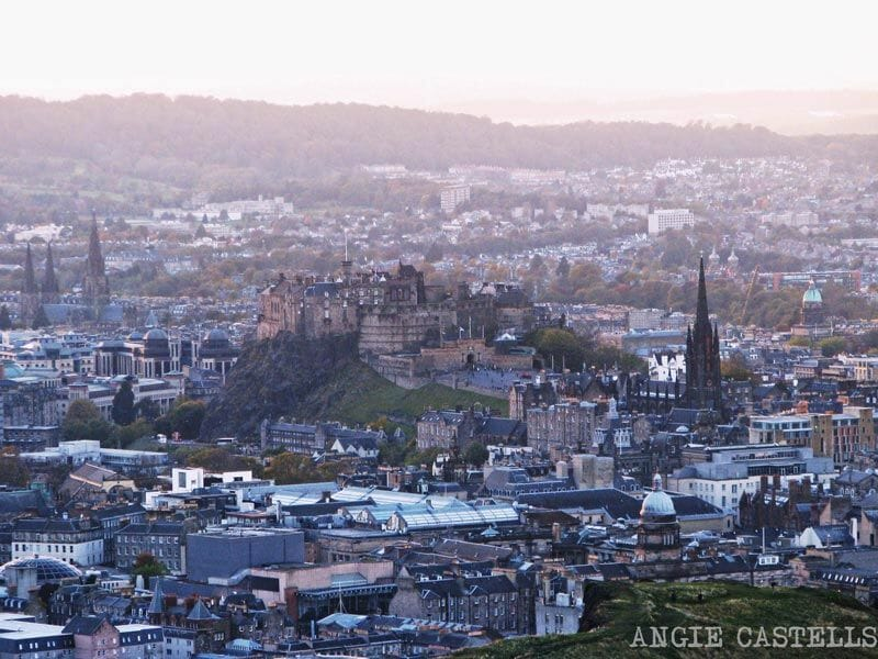 El Castillo de Edimburgo desde Arthurs Seat