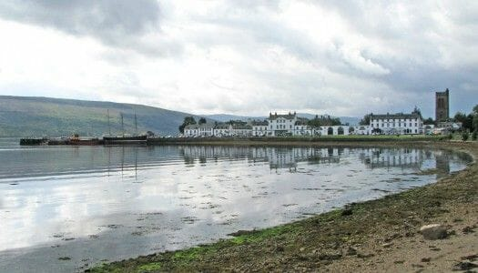Guía de Inveraray, un pueblecito blanco en Escocia
