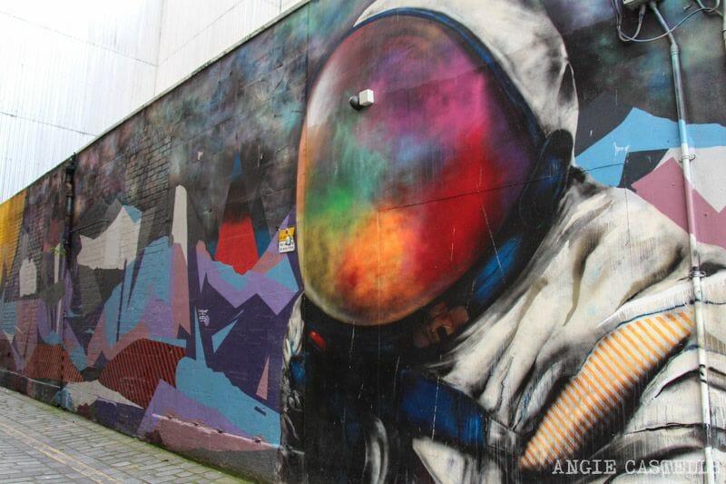 Ruta de grafitis y arte urbano de Glasgow: el astronauta