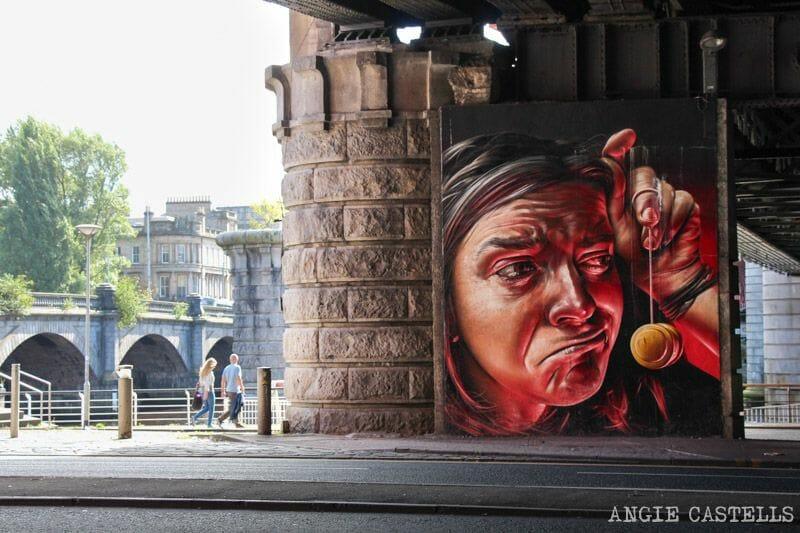Ruta de grafitis y arte urbano de Glasgow: las caras del puente