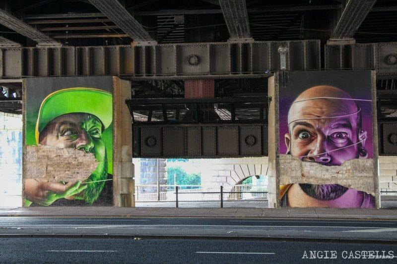 Ruta de grafitis y arte urbano de Glasgow: caras bajo el puente