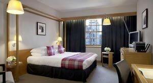 Donde-dormir-en-Edimburgo-Old-Town-Radisson-Blu