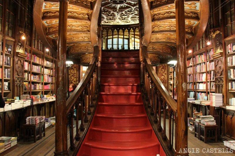 Guia Oporto que ver fin de semana libreria Lello Irmao