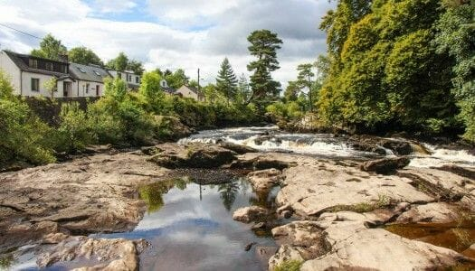 Killin y las Falls of Dochart, en las Highlands