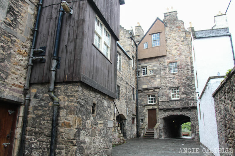 Escenarios de Outlander Edimburgo Bakehouse Close Royal Mile