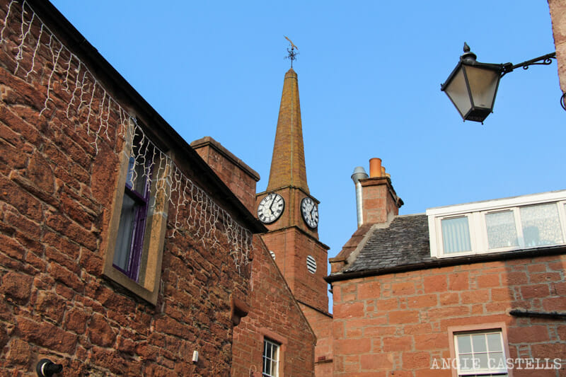 Visitar Kirriemuir Escocia Barrie y Peter Pan