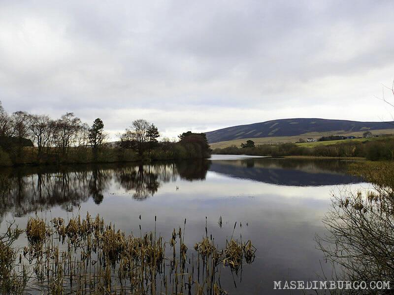 Ruta Pentlands Edimburgo Threipmuir Reservoir