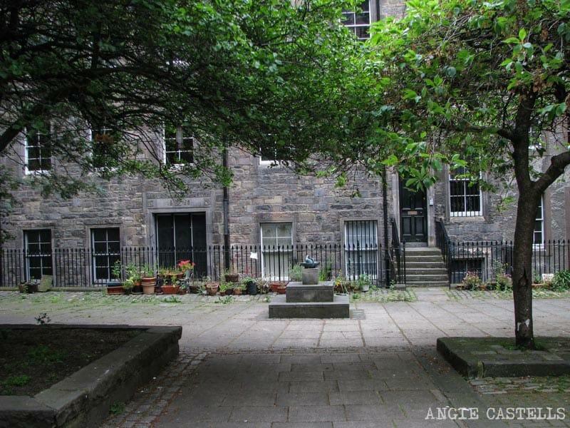 Mejores callejones Royal Mile Edimburgo James Court