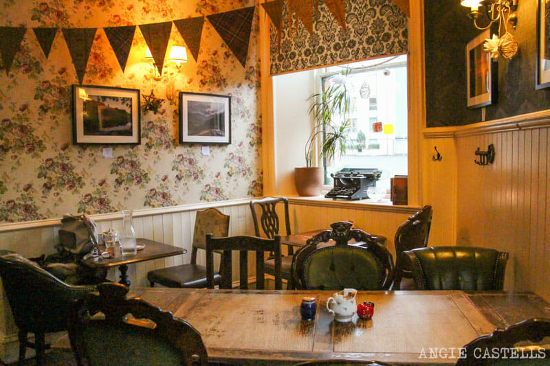 Donde-comer-Edimburgo-vegetariano-vegano-Roseleaf