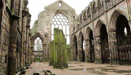 Visitar la abadía y el palacio de Holyrood, en Edimburgo
