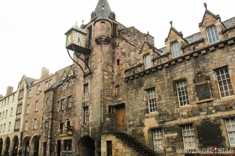 Dónde sacar fotos de Edimburgo: el Canongate Tolbooth, en la Royal Mile