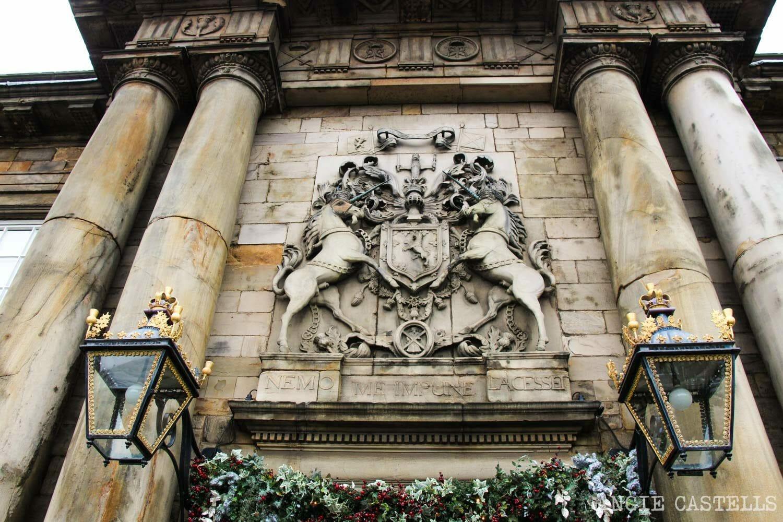 El unicornio, el animal nacional de Escocia - Palacio de Holyrood, Edimburgo