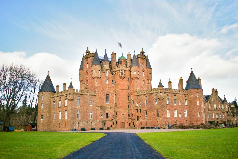 Visitar el castillo de Glamis, el más embrujado de Escocia