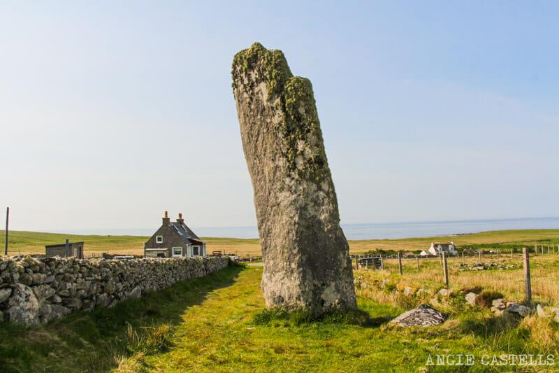 Ruta por la isla de Lewis y Harris - Menhir Clach an Trushel