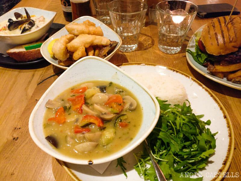Cómo preparar un viaje barato a Escocia - Comer en un pub