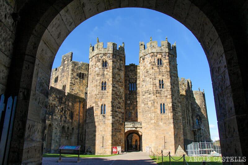 Entrada al castillo de Alnwick, donde se rodó Harry Potter