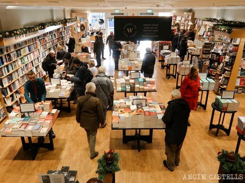 Librerías de Edimburgo - Waterstones, en Princes St