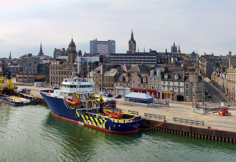 El puerto de Aberdeen, una de las ciudades de Escocia