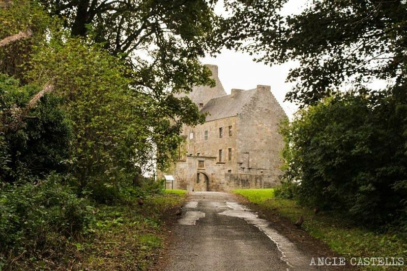 Visitar Lallybroch, uno de los escenarios de Outlander cerca de Edimburgo